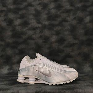 Nike Shox R4 White Metallic Silver Sneakers